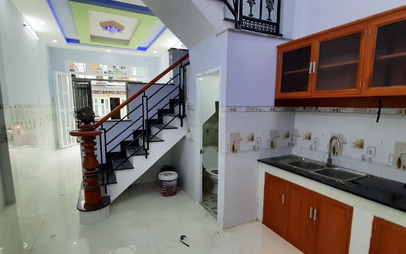 Bán Nhà Hẻm Ô tô Đường Chiến Lược, 50m2, 3 Lầu, 4 Phòng Ngủ, Giá Rẻ